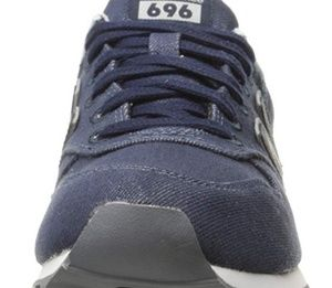 Navy blue new balance athletic tennis shoes 6